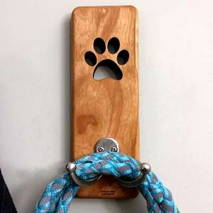 wood dog leash holder
